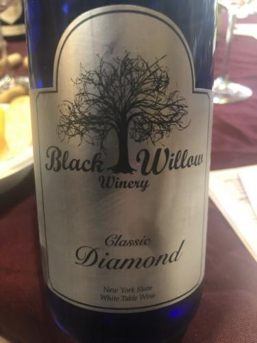 Black Willow - Classic Diamond - N.V.